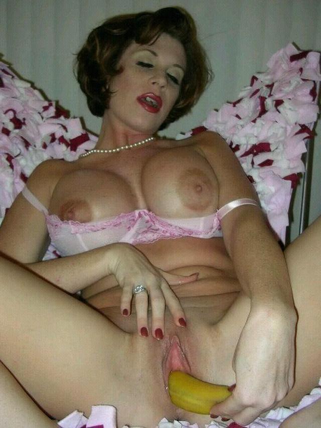 Мамочки обнажают пышные сиськи и бритые киски - секс порно фото