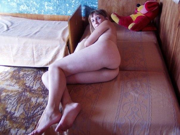 Развратные студентки оголяют свои стройные тела - секс порно фото