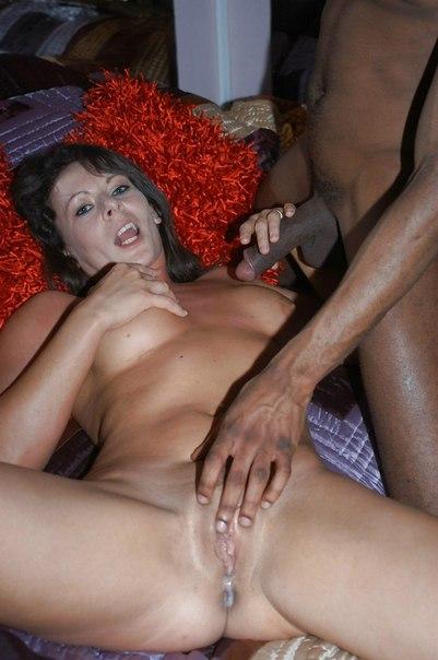Мамочки удовлетворяют чернокожих мачо - секс порно фото