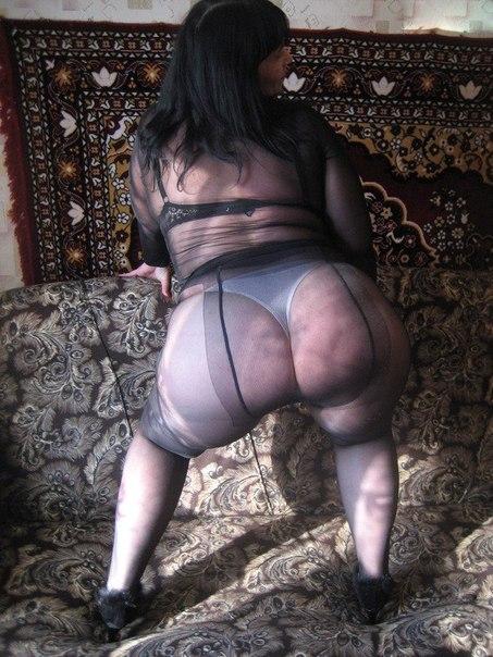 Девушки в нижнем белье показывают киски - секс порно фото