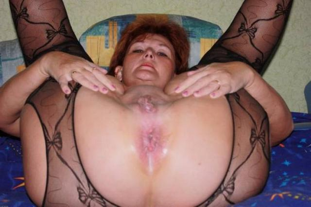 Зрелые мамочки распахнули свои выбритые киски - секс порно фото