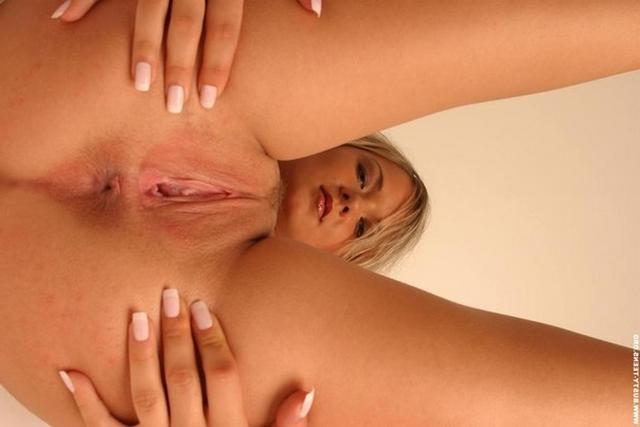 Бритые киски тёлочек крупным планом - секс порно фото