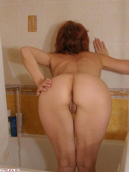Русская домохозяйка принимает ванну после работы - секс порно фото