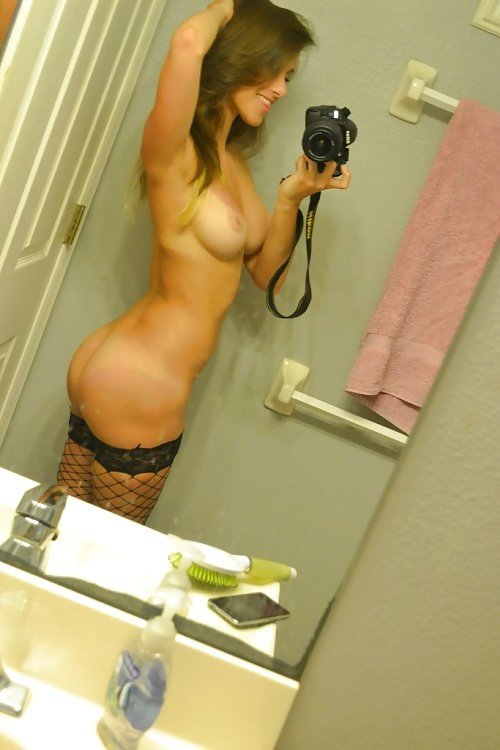 Эротические селфи девушек с крепкими попками - секс порно фото