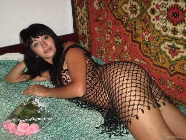 Милашки обнажают упругие попки и сиськи - секс порно фото