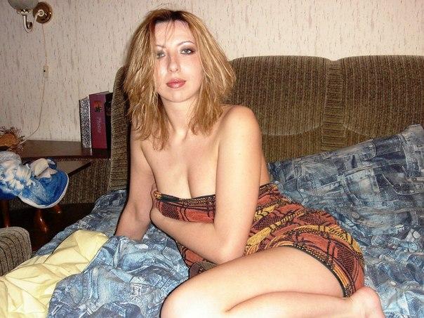 Замужние дамы показывают красивые попки - секс порно фото