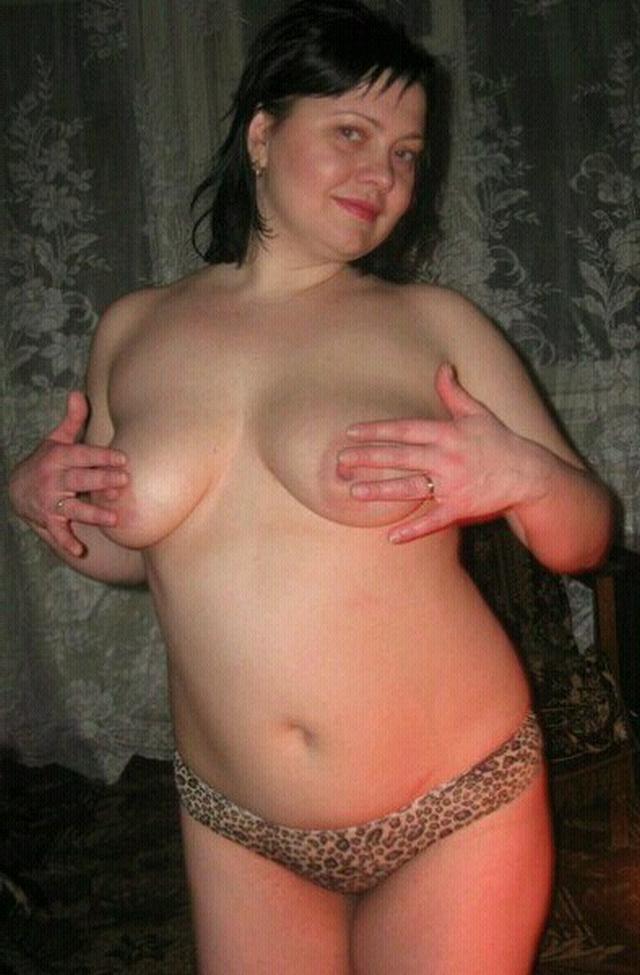 Голые девушки распахнули киски дома - секс порно фото